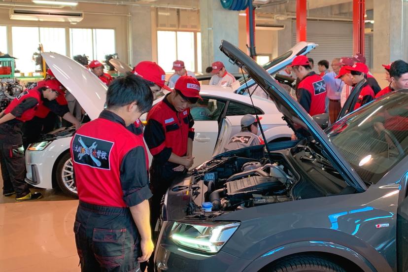 一級自動車整備科|日本国内最高レベルの自動車整備士 一級自動車整備士を目指すコース