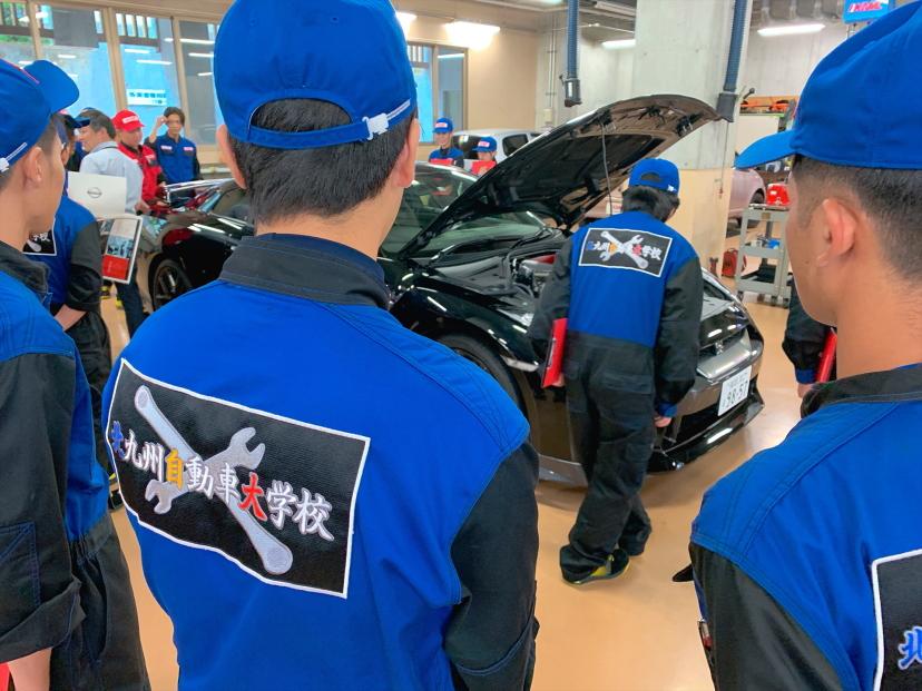 現在の自動車整備士の主力、二級自動車整備士を育成します