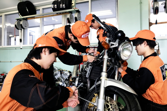 九州地区、中国四国地区で唯一バイク専門コース